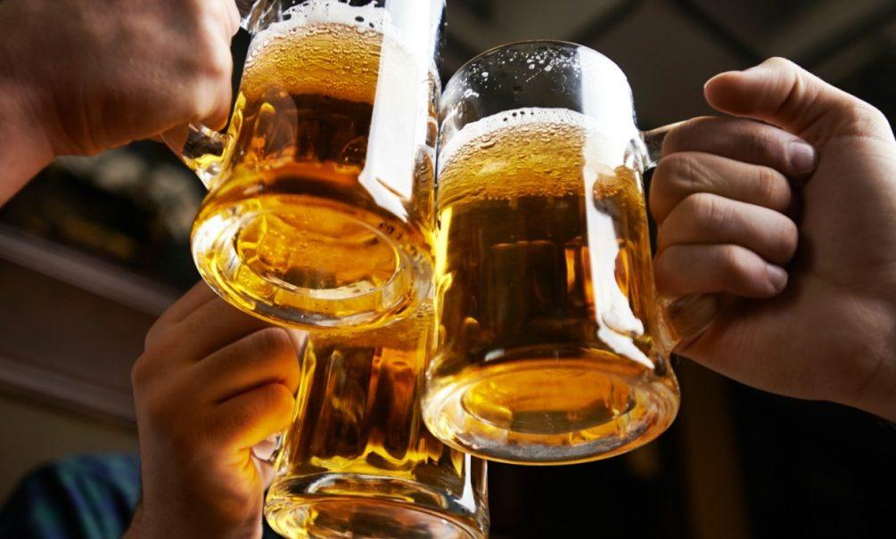 Главный нарколог Москвы назвал пиво самым опасным напитком для мужчин. Правда ли это?