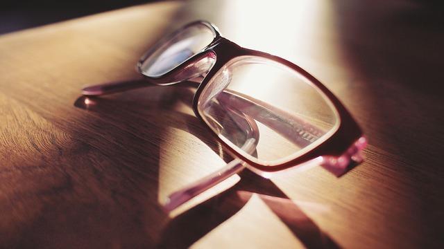 Товары и услуги для глаз в приложении «Очкарик»