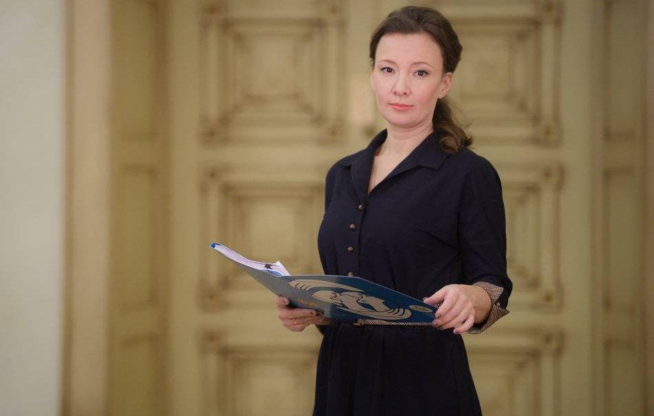 Анна Кузнецова: школа должна не только учить, но и воспитывать