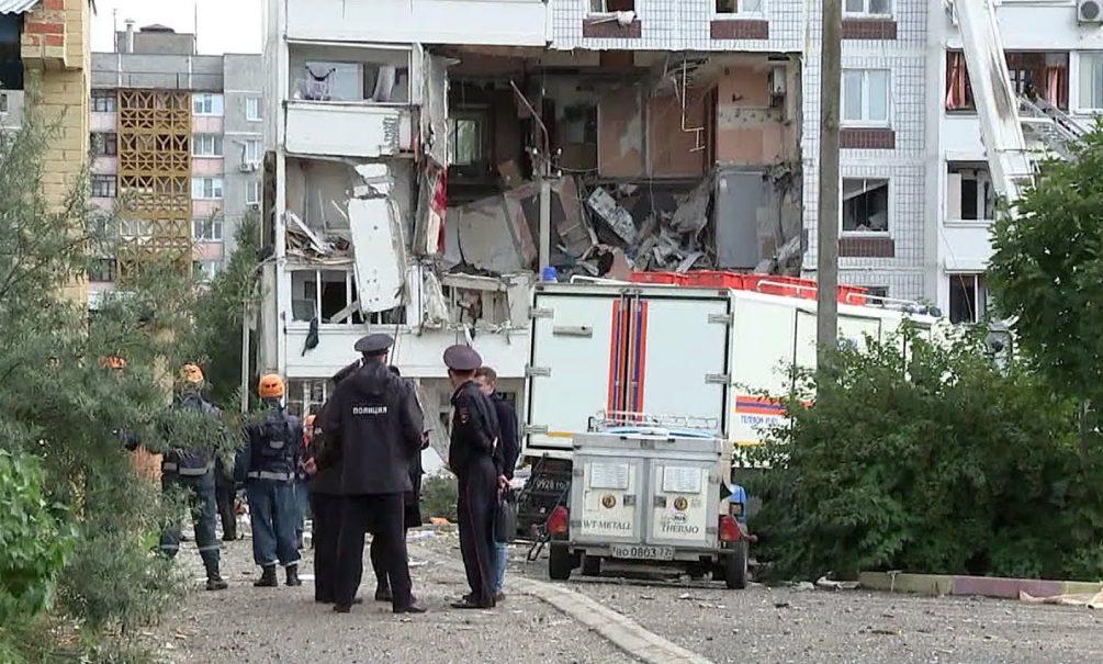 Двое взрослых и ребенок могут находиться под завалами в Ногинске, сообщили в экстренных службах