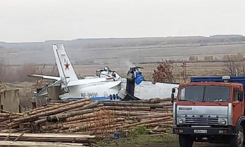 Самолет с 20 парашютистами на борту потерпел крушение в Татарстане