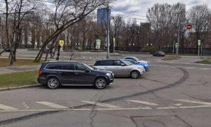 Россиянам запретят парковаться на