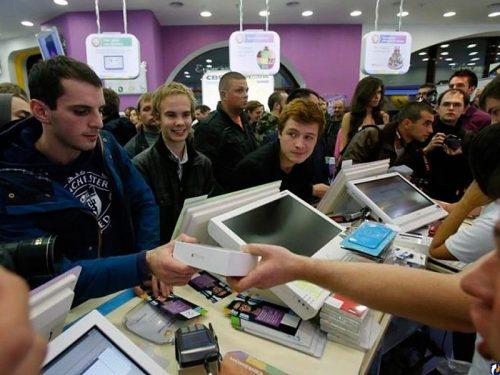 Небывалый дефицит смартфонов может оставить без гаджетов 75% россиян уже в ноябре