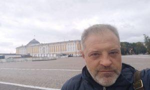 «Хотите умереть? Выбирайте способ легче»: советника главы Крыма обвинили в призыве антиваксеров к суициду