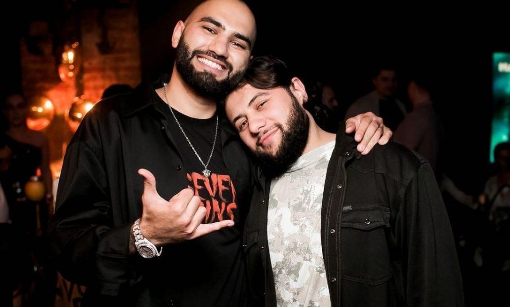 «Отмахнулся ногой»: HammAli & Navai объяснили, за что ударили фанатку на концерте