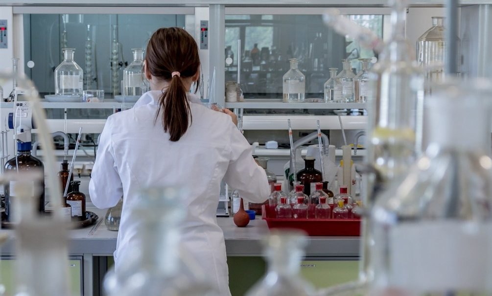 Пошли на рекорд: математики рассчитали новый прогноз по заболеваемости коронавирусом в России