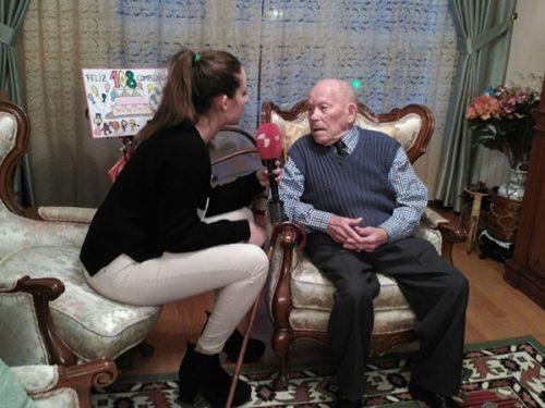 «Никому не причиняй вреда»: самый старый мужчина на Земле поделился секретом долголетия