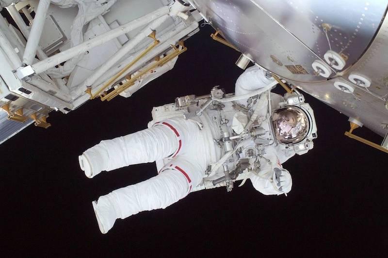 «Уже не человек»: космический психолог рассказала, что делает с людьми полет в Космос