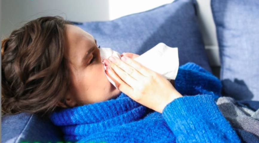 Терапевт предупредила россиян о самых опасных методах самолечения при простуде