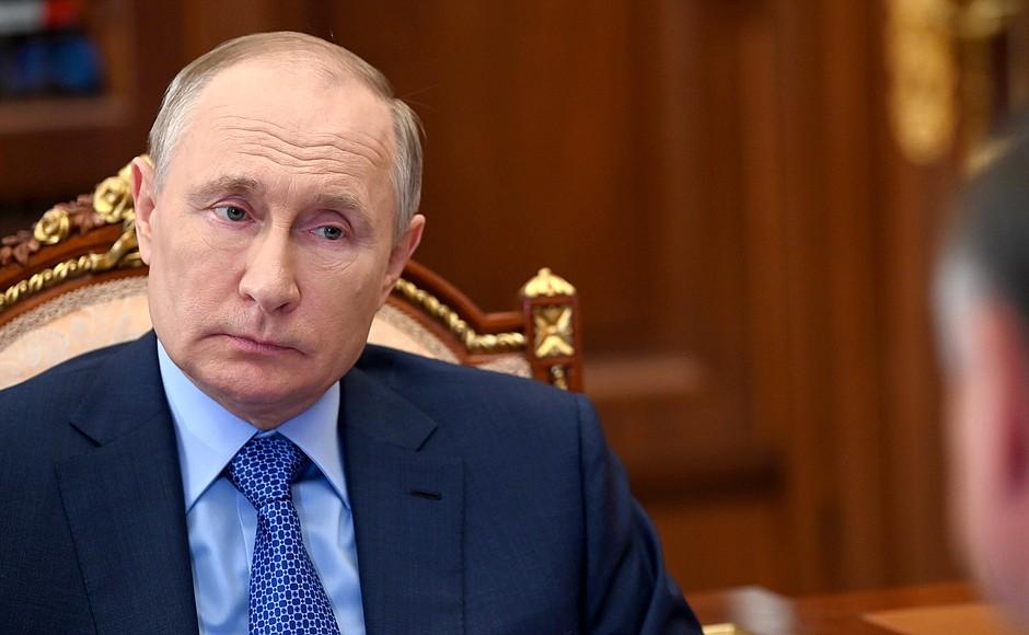 «Мы не можем терять столько людей»: Путин сравнил смертность в ДТП в России с потерями при военных действиях